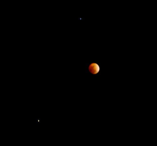 Eclipsed Moon with Regulus and Saturn
