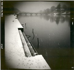 The form of silence. (candido baldacchino) Tags: holga 120s allin1