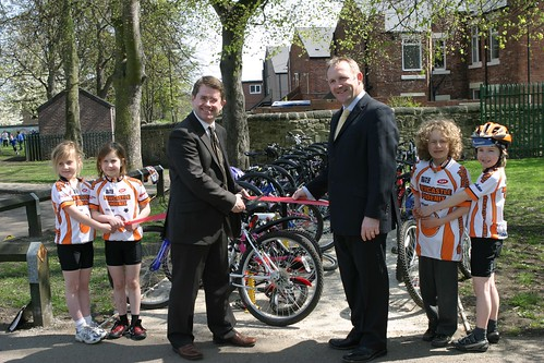 Kevin Brennan MP visits St Cats26
