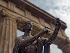 Triumphal Bow (Sator Arepo) Tags: rome art statue bronze reflex ancient ruins arch olympus bow triumph pompeii vesuvius triumphalarch vulcan pompeya zuiko vulcano vesubio ancientrome e500 zd uro 1454mm