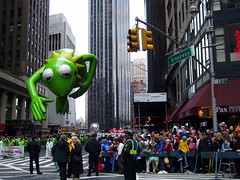 Macy Parade 2005 (Steven Bornholtz) Tags: 2005 thanksgiving november people usa fall thanks america turkey balloons photography us nikon dj day photos 05 united steve muppets olympus parade celebration event macys steven states d200 gotham midway macy crowds kermit floats c60 gothim bornholtz djmidway