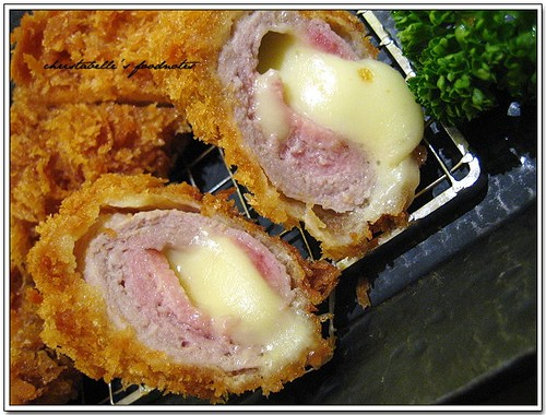 勝博殿起司豬排捲仔細看 A Cross Section of Japanese Pork Chop with Cheese