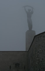 (Gab) Tags: winter misty fog frost hungary budapest magyarorszg gellrthegy tl abigfave diamondclassphotographer