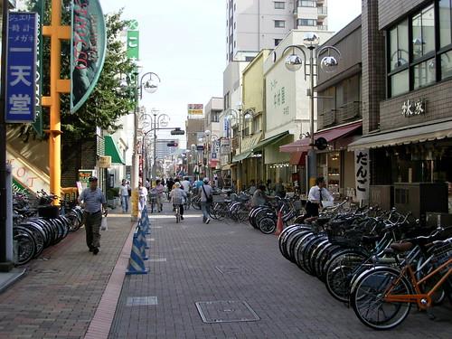 平井駅から続く商店街