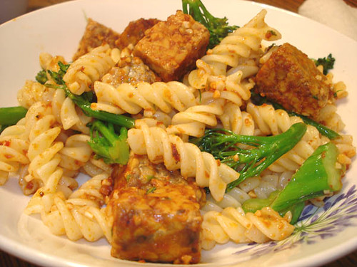 spicy tempeh with broccoli rabe and rotelle