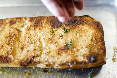 chicken legs thyme bread 073