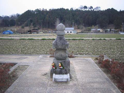 飛鳥寺-蘇我入鹿の首塚