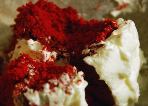 red velvet cake @ Magnolia's (UWS)
