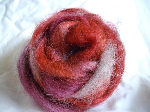 Rosy red wool
