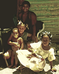 Family (Michelle Brea) Tags: family woman art children photography 1 moments dominican photographer artistic dominicanrepublic dr dominicana fotografia capture feelings artista santodomingo 3girls barahona 1boy michellebrea