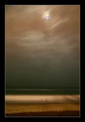 Il Mare (Thalyon) Tags: shadow sea espaa moon color beach clouds canon mar spain sand tripod sombra playa luna arena shore nubes orilla tripode cruzadas thecontinuum abigfave favemegroup3 diamondclassphotographer flickrdiamond