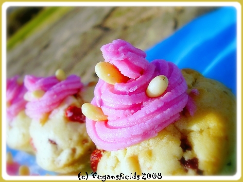 Muffins de St valentin, glaçage Rose-Bonbon (VGL) 2254683490_d5e4923bdb_o