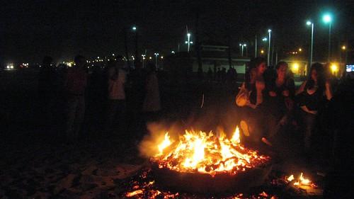 Celebrating Chahārshanbe Sūrī on Dockweiler Beach