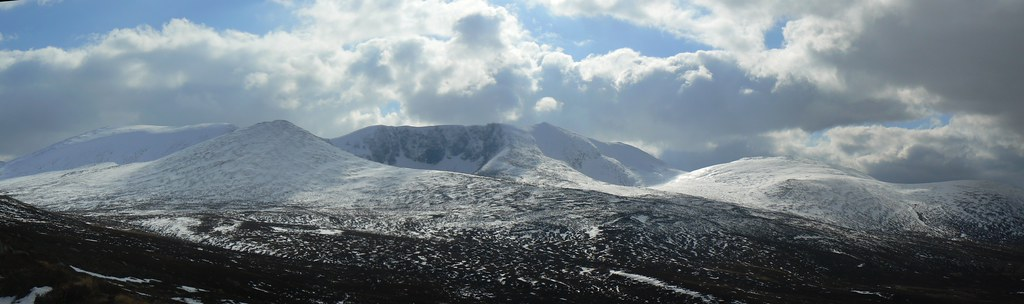 The mass of Lochnagar
