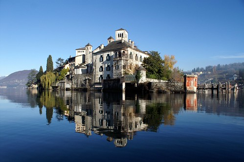 Lago d'Orta, Isola di San Giulio (www. flickr.com)
