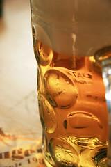IMG_5897.jpg (Marc Aurel) Tags: beer germany munich münchen bayern deutschland mas oktoberfest monaco bier beerstein stein birra germania wiesn krug bierkrug 400d eos400d maskrug foamingglas