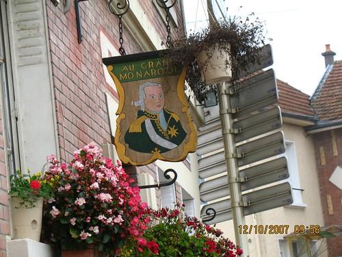 L'enseigne du Restaurant de Varennes.......