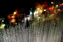 Beaubourg, un jour de pluie (Calinore) Tags: street city paris france art rain eau centre pluie musee transparency transparent pompidou iledefrance georges ville transparence gouttes contemporain top150 beabourg ejl gtest ejl1 selectionneespargetty