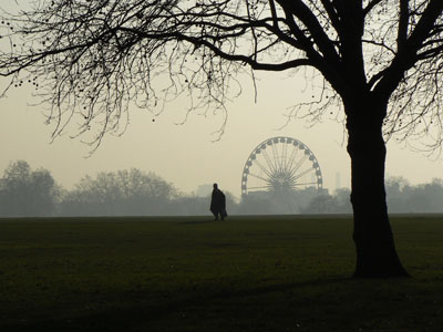grand roue dans le brouillard.jpg