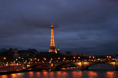 De ma fentre (~Xavi~) Tags: city urban paris france by night canon eos noche shot nightshot e nuit ville urbain 400d impressedbeauty xaviventas