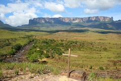 Monte Roraima (Marcelo Seixas) Tags: world travel blue sunset portrait sky mountain nature mystery clouds america trekking walking lost photography arthur is photo track photos hiking venezuela south natureza bolivar hike victory professional mount cruz american tropical keep gran doyle canaima nothing caminhada justdoit montanha clound vitoria ican caminho perdido impossible conan trilha roraima sabana tepui lostworld profissional tepuy idid arthurconandoyle monteroraima dotheimpossible