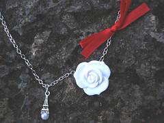 variao de cor paris II (aquitembananas) Tags: paris craft jewelry pearls bananas accessories lao neclace prolas bijuterias