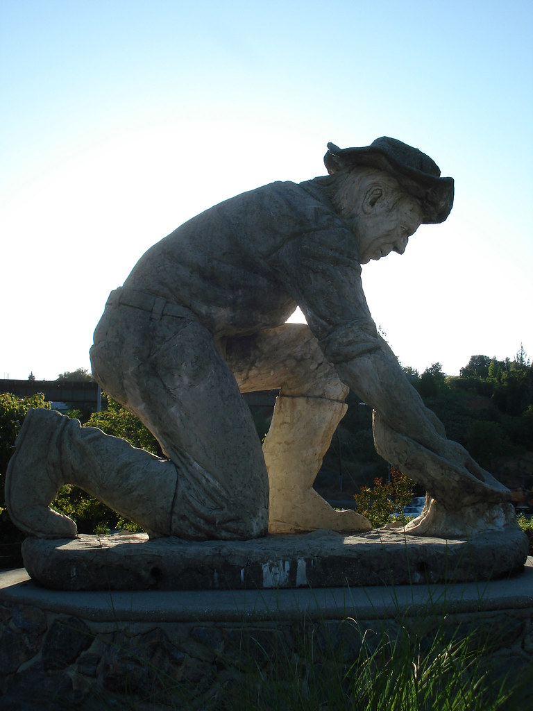 gold miner - Ken Fox Statue