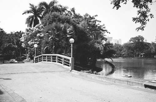 Bridge at Lumphini Park. I probably should have shifted the frame a bit to the left