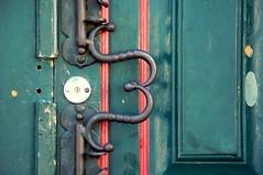 m (chicow) Tags: door old colonial porta historical doorhandle maaneta sojoodelrei