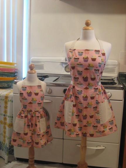 Cupcake Apron Set