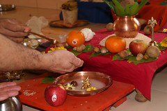 Abishek of Ganesha (Dey) Tags: ganesh annemarie ritual puja noe yagna abishek ganeshpuri