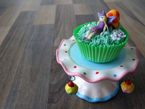 5699259078 0b080a06d3 Fairy Cupcakes That Will Make Your Party Magic