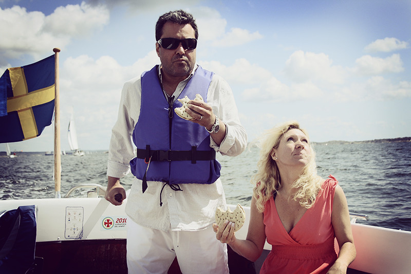 Åkte med löjliga familjen på båtäventyr