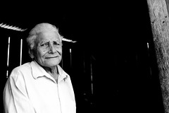 A Vulnerable Kind of Confidence (Jacob K. Cunningham) Tags: poverty old city portrait bw white black locals artistic good expression citylife honduras sean elderly than tegucigalpa better lapaz environmentalportrait establishing marcala