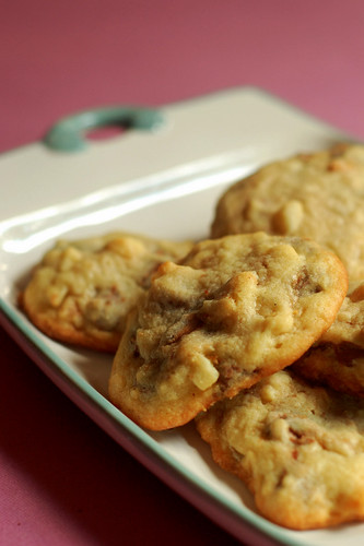 Chocolate & Macadamia nut cookies
