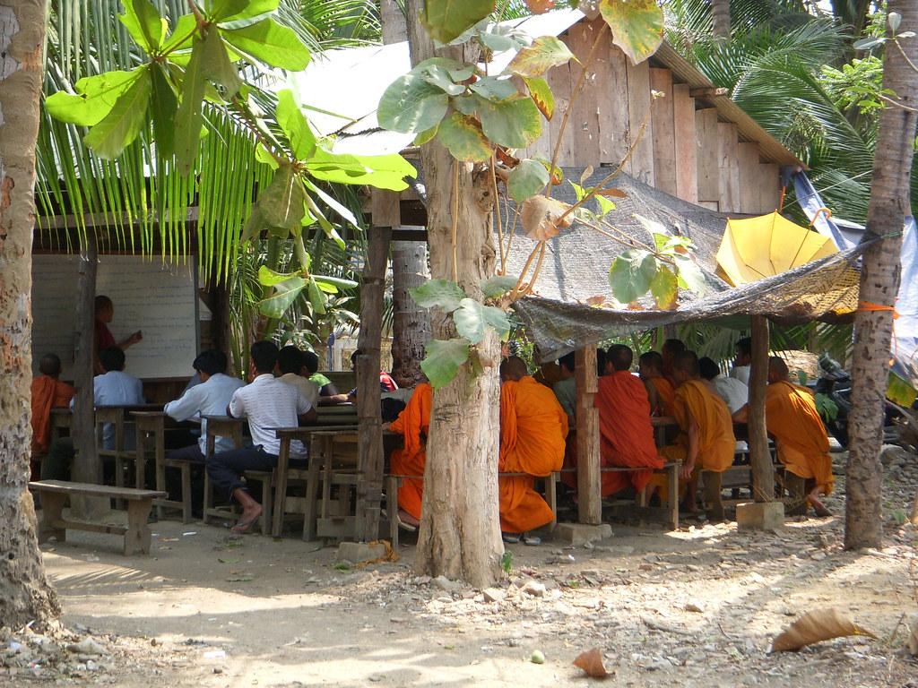 monjes en clase