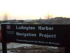Ludington Harbor Navigation Project (Dr.Slime) Tags: light lakemichigan harbornavigation