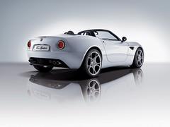 2008-Alfa-Romeo-8C-Spider2