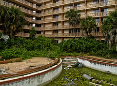Colony Plaza Courtyard (tantrum_dan) Tags: plaza abandoned pool hotel florida resort ocoee condominium colony tantrumdan tantrumimagery