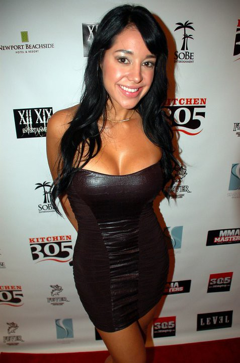 Andrea Calle host red carpet at level documentary