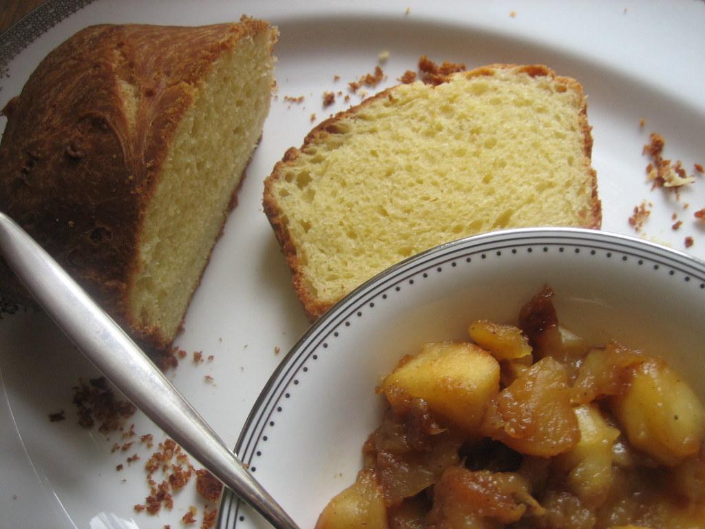 brioche et compote épicée aux pommes