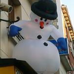 15 Décembre 2007 Créteil Rue du Général Leclerc Un bonhomme de neige perché... thumbnail
