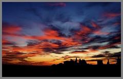 Dalla mia finestra (nello.giovane) Tags: sunset sky window landscapes tramonto natura finestra cielo tuscany chianti naturalmente ultimateshot freenature nellogiovane itramonti