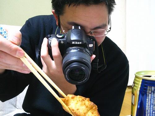 デジタル一眼レフで左手一本で撮影