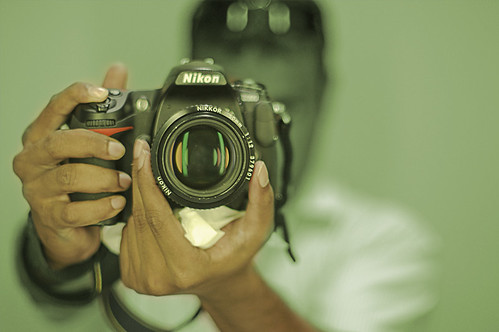 E aquela velha dica: Buying a Nikon doesnt make you a photographer. It makes you a Nikon owner.