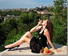 LA DONNA........ (nanettesol) Tags: woman laura rome roma donna mujer italian mediterraneo aceite tiber oil tacones tomate pomodoro morena carlota italiana proyecto oleo encaje