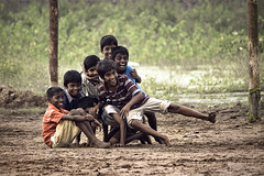 135.365 (Arun Titan) Tags: poverty road street travel friends india canon photography photo flickr village friendship photos availablelight ambientlight labor streetphotography naturallight f2 roadside chennai hardwork tamilnadu arun southindia suffer misfortune cwc ambientlighting travelphotography parryscorner parrys arunkumar arunr povertyinindia 1000d colorofindia mg9641 chennaiweekendclickers arun4884 aruntitan