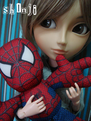 shinji and his chibi spider-man (by -=april=-)