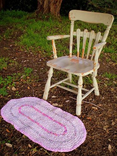 Not 2 Shabby Chair & Rag Rug