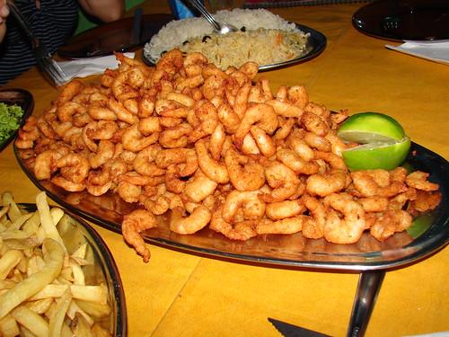 ...Isto é uma porção de camarão... em Floripa